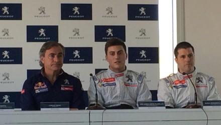 De izquierda a derecha, Carlos Sainz, Pepe López y Borja Rozada, en la presentación del Peugeot España Racing Team.