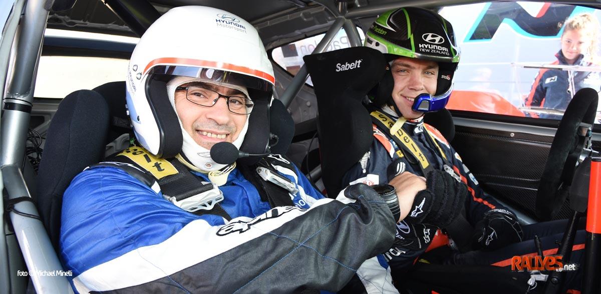 De copiloto con Hayden Paddon en el Hyundai i20 WRC