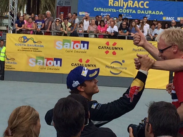 Andreas Mikkelsen con sus fans RAllyRACC 2015