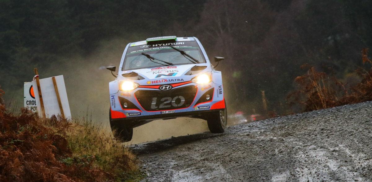 Hayden-Paddon-Rallye-de-Gales-2015