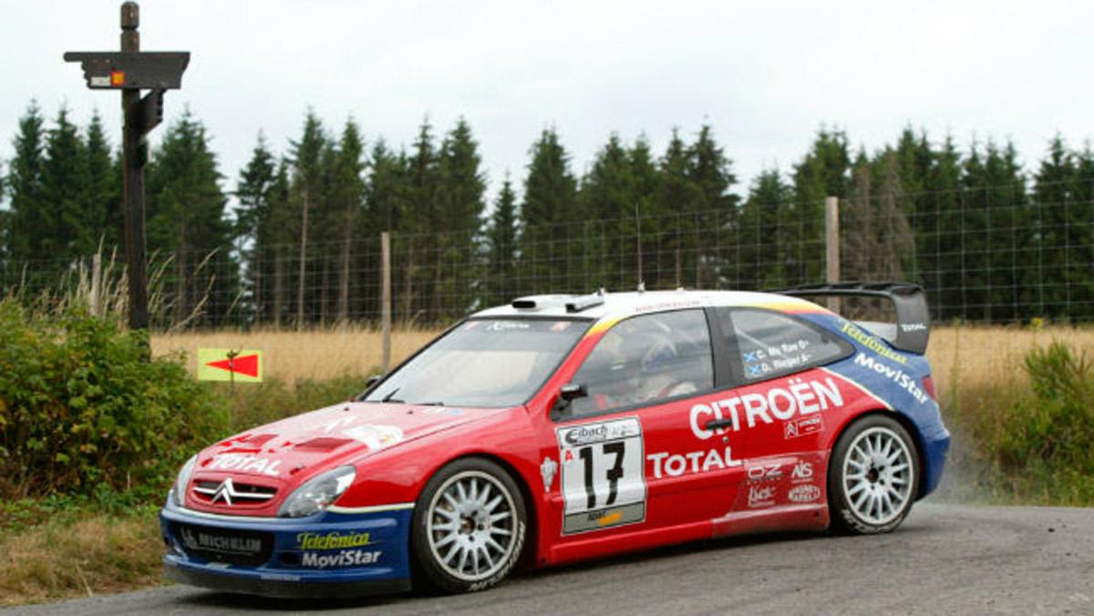 Kris Meeke, al volante de un Citroën Xsara WRC