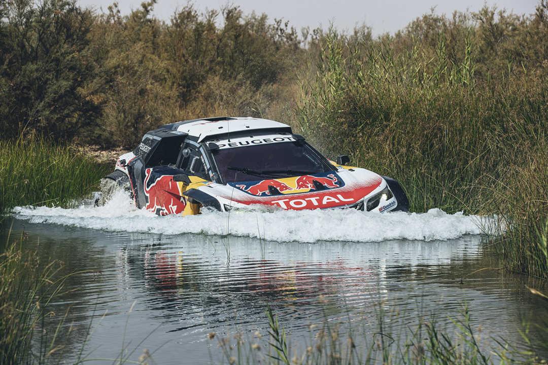 """Carlos Sainz: """"El coche parece más estable en tramos rápidos y en las pistas más rompedoras"""""""