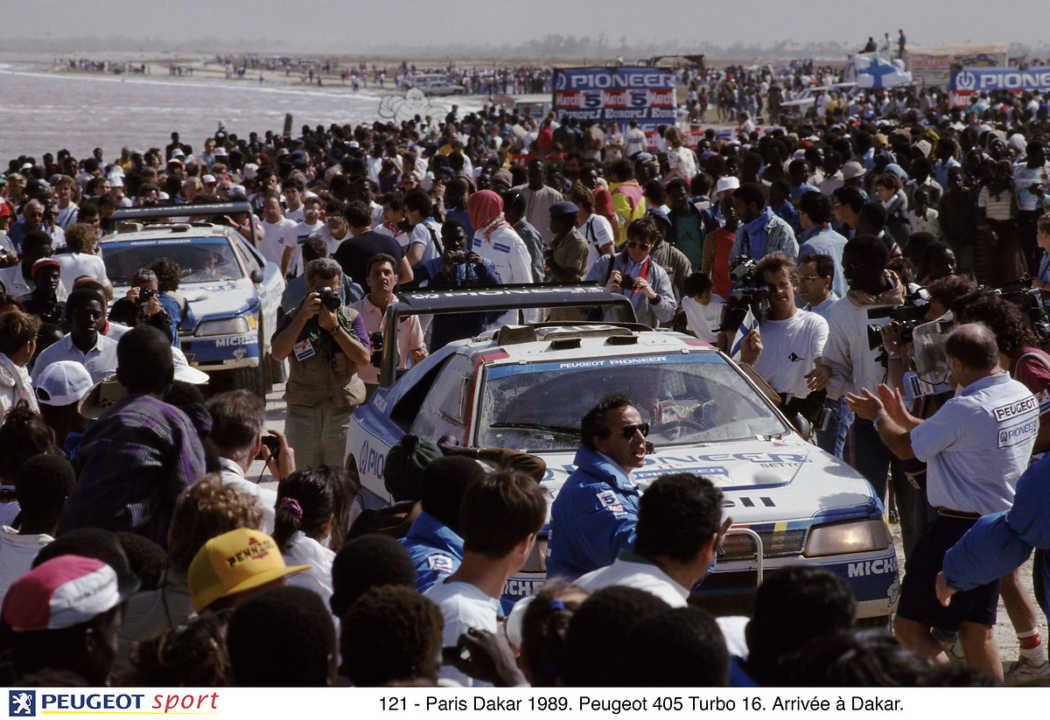 Cinco razones por las que Peugeot ha hecho historia en el Dakar